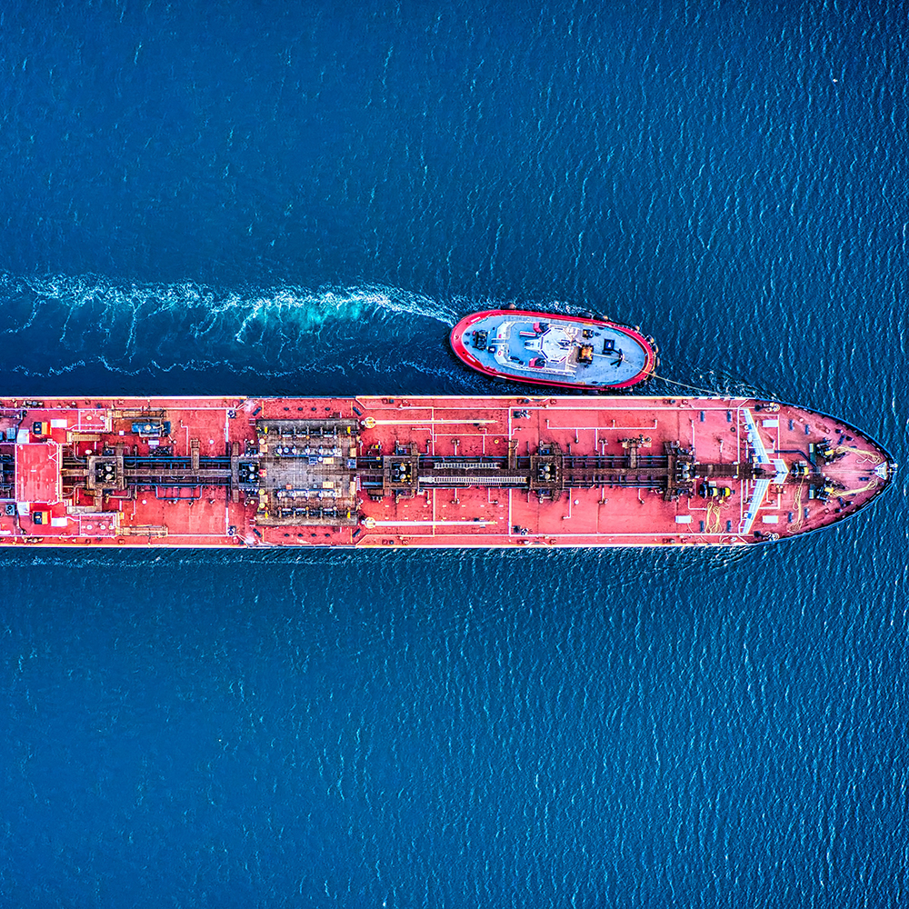 Ships could also be powered by carbon-neutral E-Fuels (photo: Cameron Venti, Unsplash)
