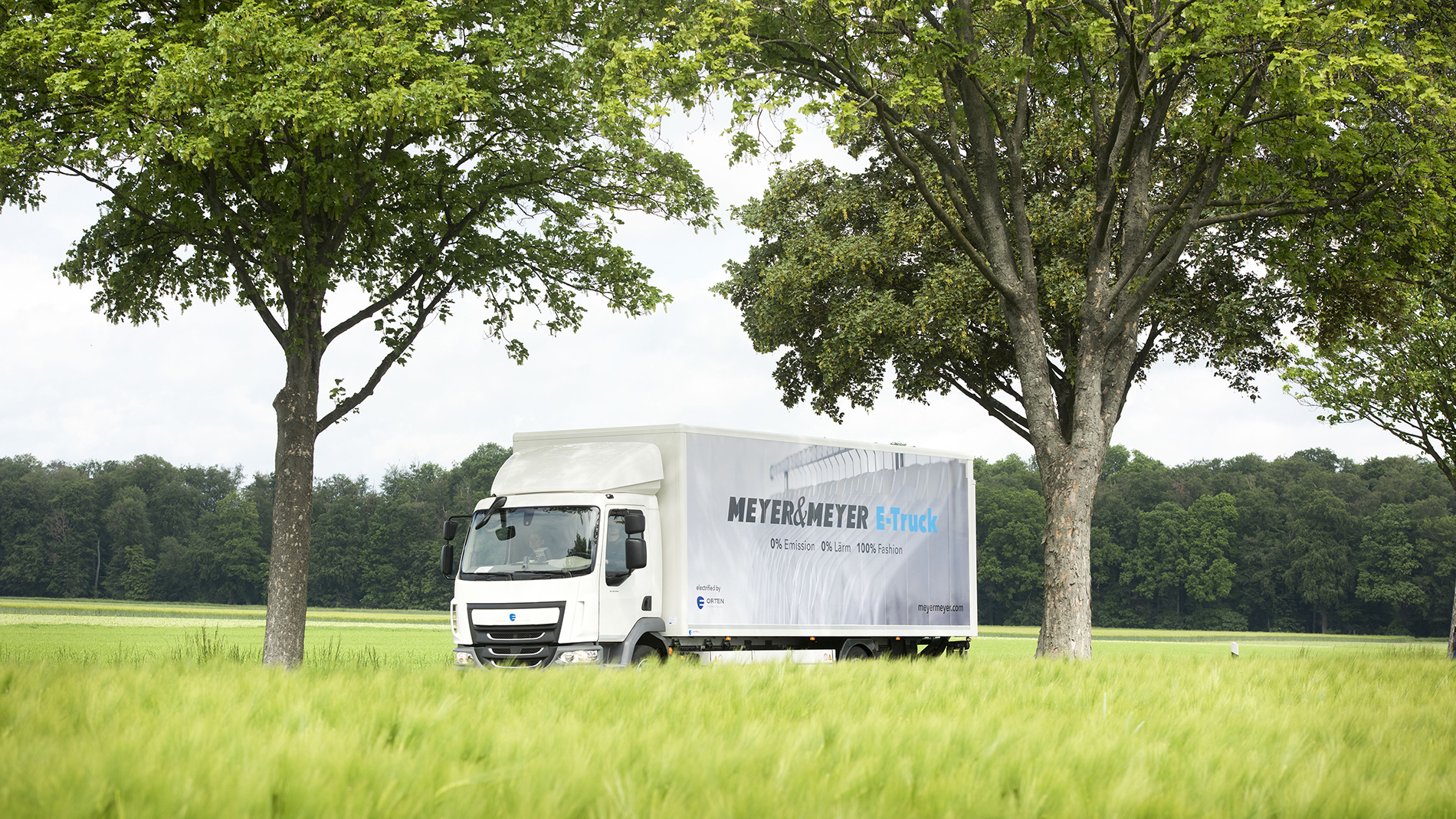 Meyer&Meyer supplies clothing stores in Peine and the surrounding area using an electric lorry. (Photo: Meyer&Meyer)