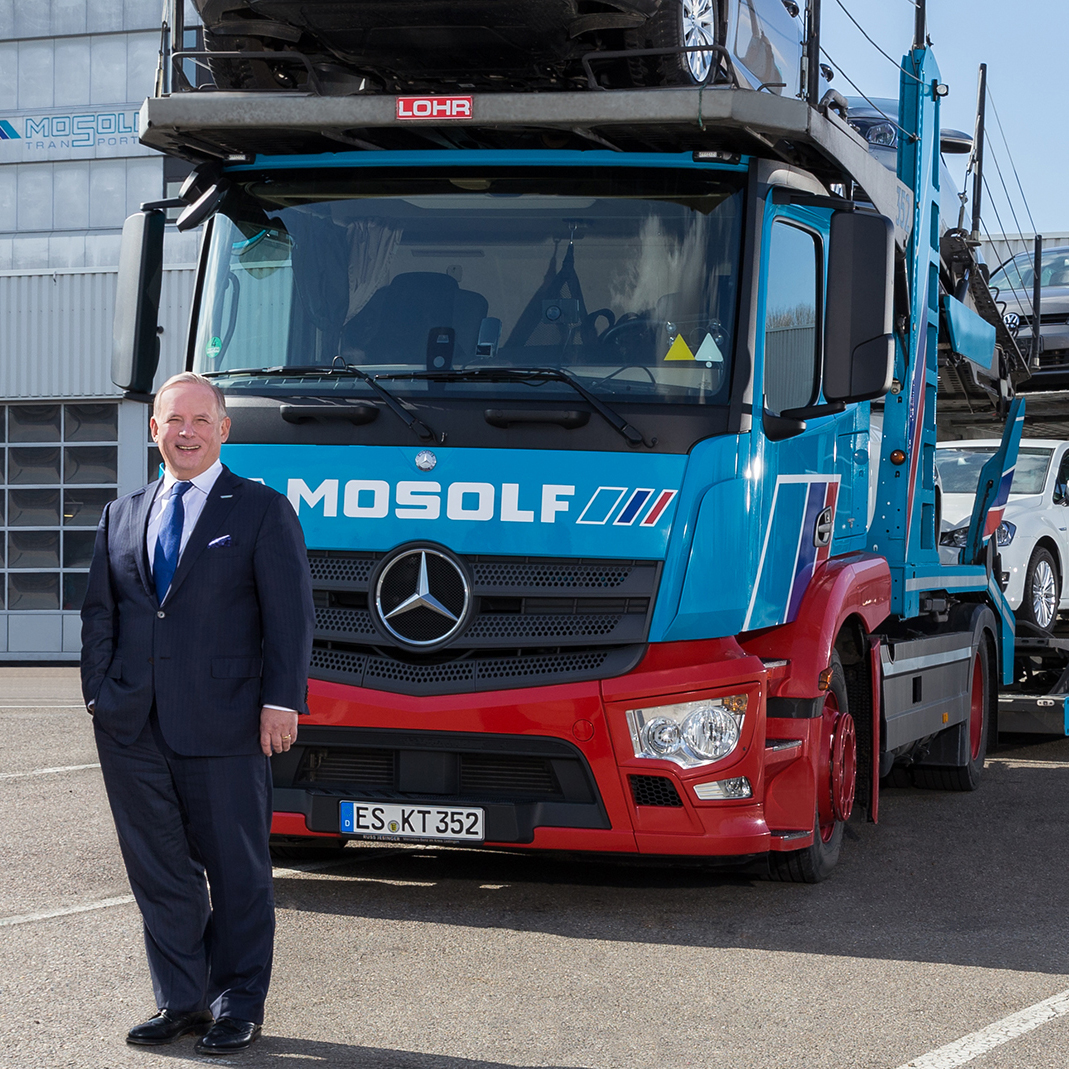 Cars are still transported to China mainly by ship. Jörg Mosolf, CEO of the Mosolf Group, wants to change this. (Photo: Mosolf)