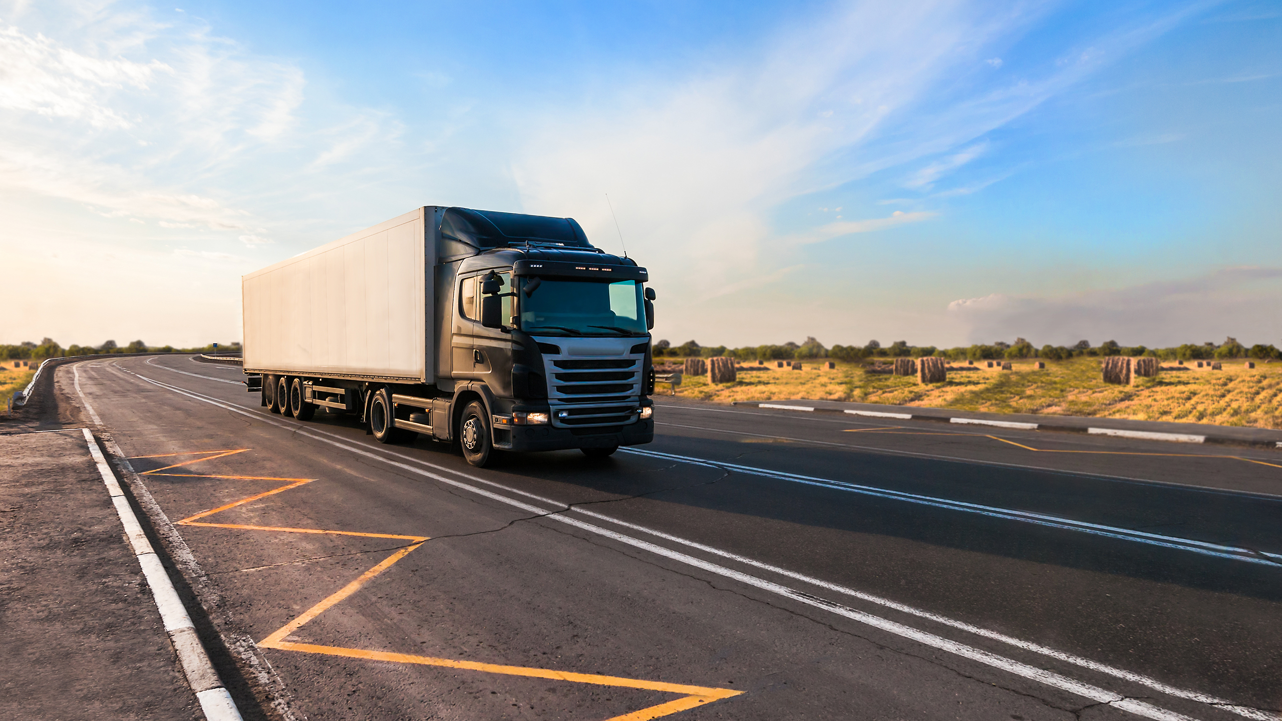 The long distances in the world's largest territorial state place high demands on the quality of trucks (Photo: Shutterstock)
